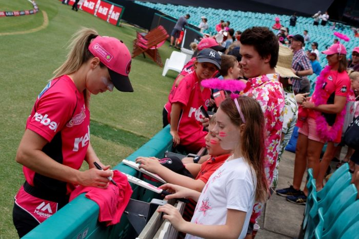 Ellyse Perry Signing An Autograph After Sydney Sixers WBBL Match Against Perth Scorchers at SCG